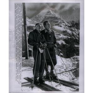 1952 Press Photo Mr Mrs David Lawrence Ruland skiing - RRX36965