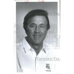 1992 Press Photo Tom Flores, President and Head Coach Seahawks - RSC26081