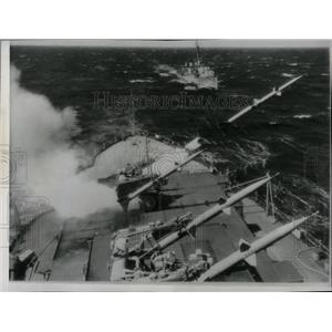 1955 Press Photo Terrier missile USS Mississippi deck - RRX69089