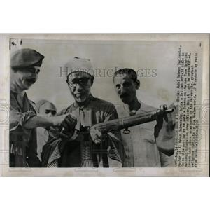 1956 Press Photo Egyptian Army Weapons - RRX63619