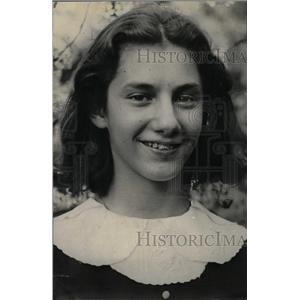 1933 Press Photo Ruth Tenbaram Spelling Chasing - RRW82691