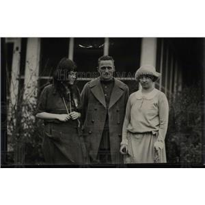 1922 Press Photo Maj. Carl S. Spatz and family. - RRW77401