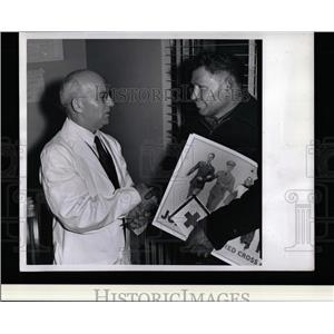 1942 Press Photo Dr. Harris Red Cross blood donation. - RRW02077
