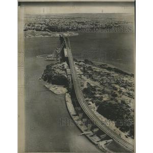 1968 Press Photo Auckland Harbor New Zealand Bridges - RRX89447