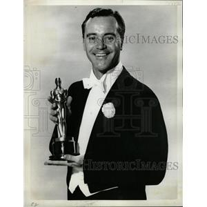 1964 Press Photo John Uhler Jack Lemmon III Odd Couple - RRW14023