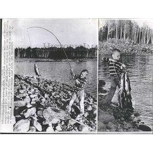 1964 Press Photo Jeff Pease Fishes For Walleye