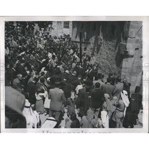 1947 Press Photo Good Friday Remembrance Jerusalem - RRX80753