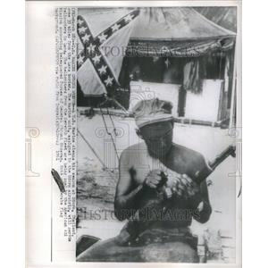 1961 Press Photo Marine Cleans Weapon At Udorn Thailand