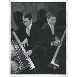 1941 Press Photo Arthur Whitmore & Jack Lowe Rehearse For Concert - RSC92247