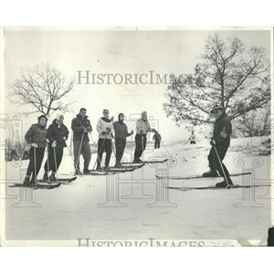 1957 Press Photo Skiers Wilmot Ski Hill Chicago