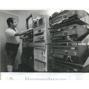 1982 Press Photo Mitch Friedman/Chicago Bears Football/Cameraman - RSC17371