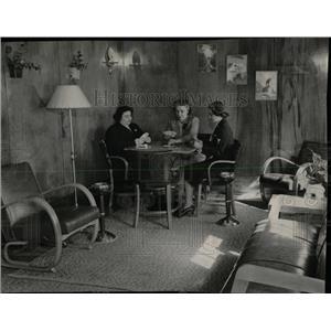 1950 Press Photo Barracks Hotel Card Room Chicago - RRW61877