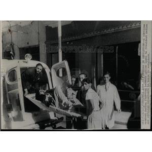 1945 Press Photo Venezuelan Civilian Wounded - RRX63733