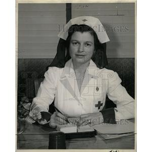 1947 Press Photo Mrs. John F. Curry Red Cross Volunteer - RRW19723