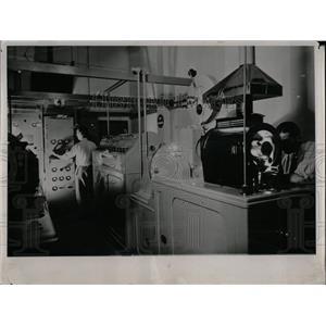 1937 Press Photo Television Equipment - RRW77337