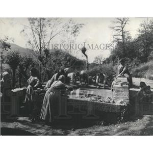 Press Photo Wash Day For Women In Southern Switzerland - RRX99531