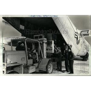 1980 Press Photo Plane Waits for Orders From Navy Dept
