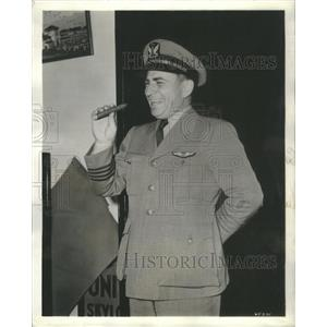 1940 Press Photo E. Hamilton Lee, first 3-million mile pilot in the world!