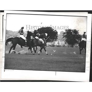 1975 Press Photo Tuck Turner's Excalibur for Match