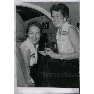 1958 Press Photo 1957 Winner of Woman Air Race Title. - RRX59643
