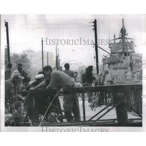 1963 Press Photo Detroit Fishing
