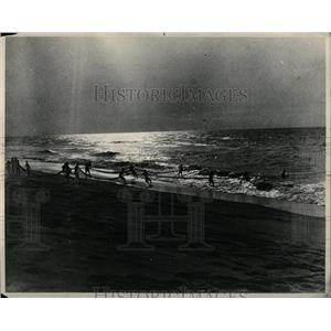 1943 Press Photo Fishing On The Slave Coast At Dusk - RRX63549