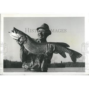 1964 Press Photo Joseph fish Pike