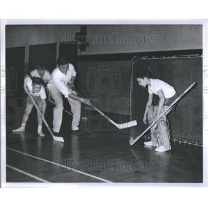1960 Press Photo Blind boy playing hockey - RRR82561