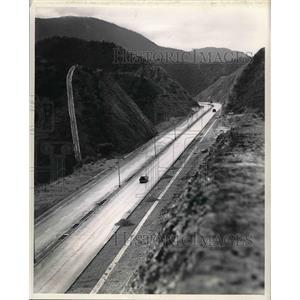 1953 Press Photo Autopista highway in Aracas, Venezuela - nea50998