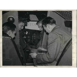 1942 Press Photo Pilot School at School Transport Plane - nea67376