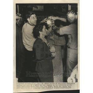 1944 Press Photo Naval Ammo Depot Explosion Victim - RRT04475