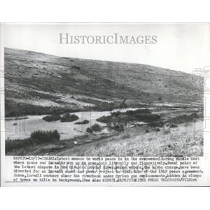 1953 Press Photo Middle East Arabs Israelis River Bank
