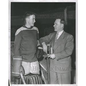 1952 Press Photo Mike Lodish Sterling Hockey Zeam Shaw - RRT81065