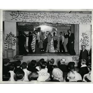 1935 Press Photo Grand Finale Fisher Lodge Veriety Show - RRT33551