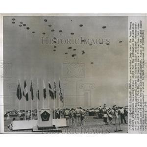 1956 Press Photo Airshow Seato Field Bangkok Thailand - RRS81561