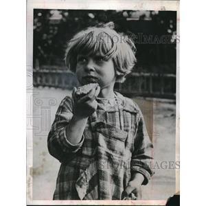 1944 Press Photo Janine Vilain, Dunkirk Refugee from War