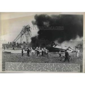 "1948 Press Photo Commercial cargo airplane ""Pioneer"" crashed and exploded."
