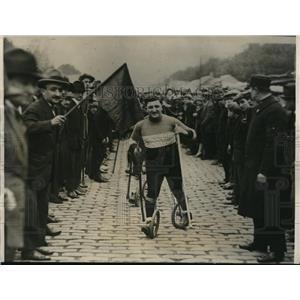 1927 Press Photo Charles Samuel Winning Paticycle Race Paris, France