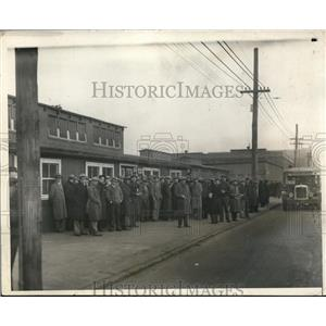 1931 Press Photo New York Ship Building Company Brings Back Laid Off Workers