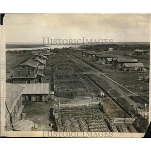 1922 Press Photo Ziegfeld Expedition Photo of American Colony at Kemorovo
