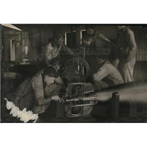1919 Press Photo Instruction in Torpedoes