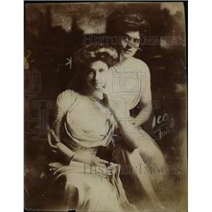 1910 Press Photo Beautiful Daughters of General Von L. Meyer