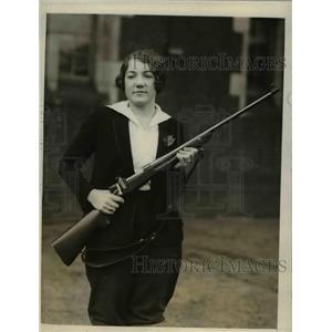 1928 Press Photo Philadelphia Pa Betty Funston coed rifle team at U of Pa