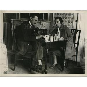1927 Press Photo French Dermatologist Dr. Jean Eyraud-Joly & Lala Casnati