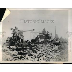 1945 Press Photo American Anti-aircraft Gun Knocked Out by a Nazi
