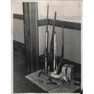 1940 Press Photo Guns and Ammunition Stolen from Zolony's at Police Headquarters