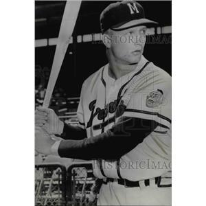 1957 Press Photo John DeMerit signed with Milwaukee Braves