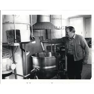 1991 Press Photo Paul Richards