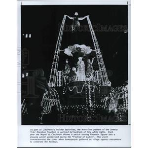 1991 Press Photo Famous Tyler Davidson Fountain at Cincinnatis holiday festival