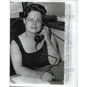 1961 Press Photo Mr. Carl Ballard mother of pilot who was hijacked - nee02104